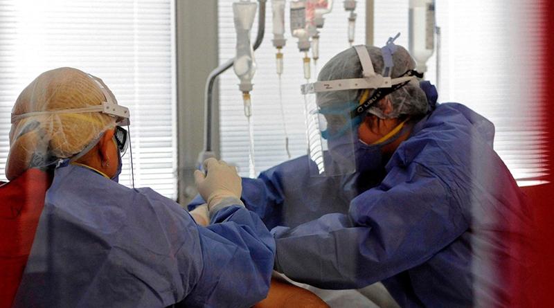 ĐTC khen ngợi các bác sĩ, y tá là những anh hùng thầm lặng giữa đại dịch