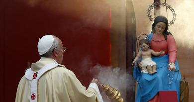 ĐTC Phanxicô: Mẹ Maria là con đường mà chúng ta phải đi để đến với Chúa